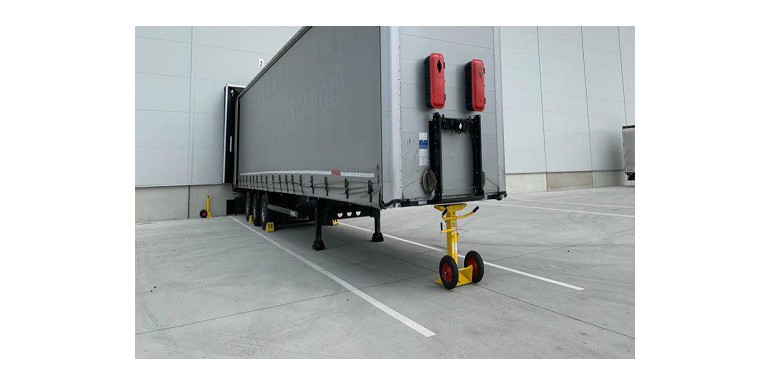 Jack Trailer Stand supports allow for safe loading